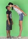 عکسهای بلندترین دختر نوجوان جهان و دوست پسر کوچکش (11)