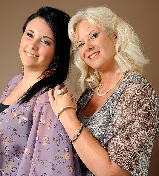 فاحشگی یک سرویس است ... بکی و امیلیا، ١٦ ساله