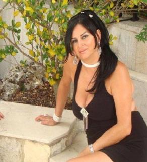 Sexy-Arab-Mam-Photo