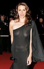 الکساندرا کری با لباس سکسی