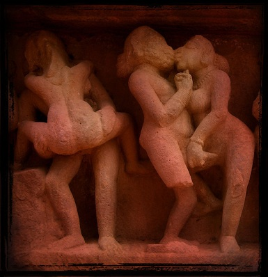 سکس گروهی در معابد خاجوراهو (1)