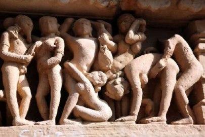 سکس گروهی در معابد خاجوراهو (11)