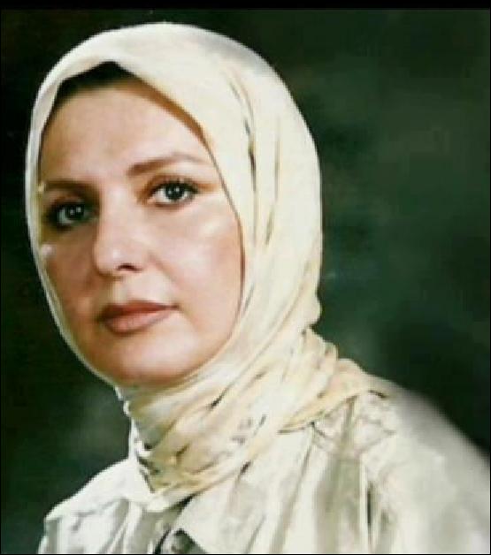 گوگوش با حجاب اسلامی در جمهوری اسلامی!
