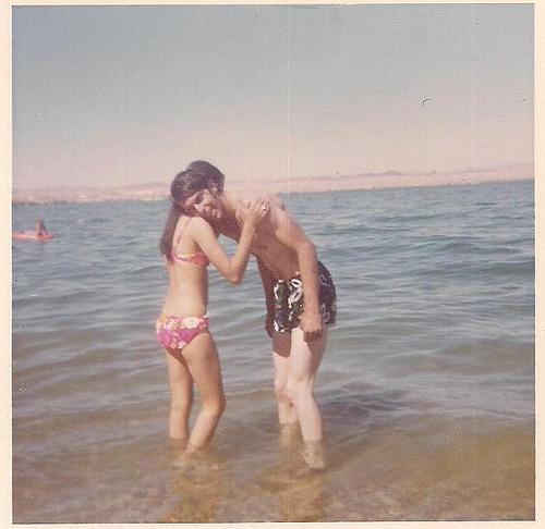 عکس سکسی و زیبای والاحضرت شاهدخت نور پهلوی در دریا