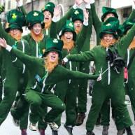 """عدهای برای شرکت در جشن خود را به شکل """"لپرکان"""" که یک شخصیت افسانهای ایرلندی است درآوردهاند"""