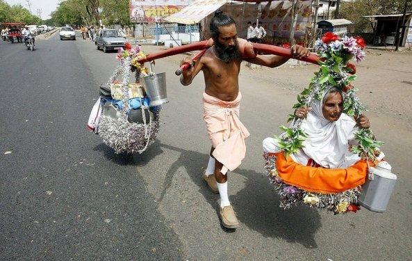 تصویر عاشقانه یک زوج عاشق زرتشتی و هندو