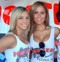 hoooooooooters-920-15