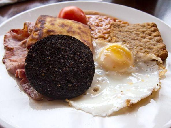 صبحانه اسکاتلندی در اسکاتلند