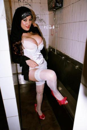 sexy-photos-of-roxana-shirazi (20)