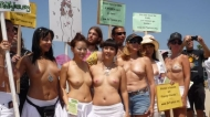 national_topless_day_46_29946600