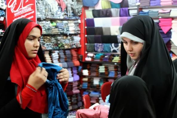 اگر پارچهٔ حجابِ زن مسلمان به دست کفار اختراع نشده بود! (8)