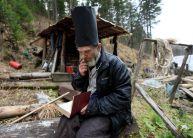 تصاویر دیدنی از یک زاهِد روس در جنگل به دور از تمدن بشری (6)