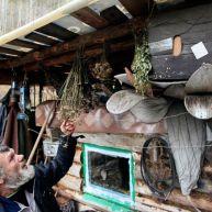 تصاویر دیدنی از یک زاهِد روس در جنگل به دور از تمدن بشری (9)