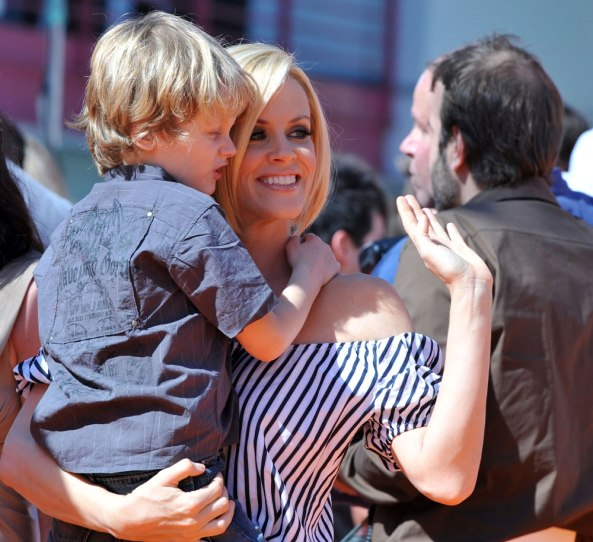 MMR-Vaccines-and-Autism-Jenny-McCarthy2
