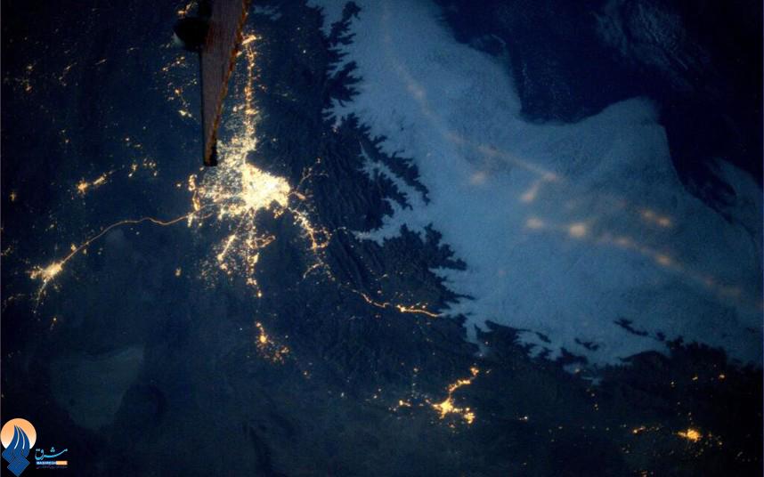 عکسی که دکتر نیبرگ از آسمان تهران در شب گرفته است