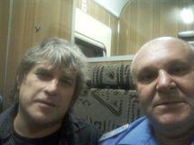 این رئیس قطار با همه بازیگران مشهور روس عکس یادگاری دارد (20)