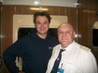 این رئیس قطار با همه بازیگران مشهور روس عکس یادگاری دارد (3)
