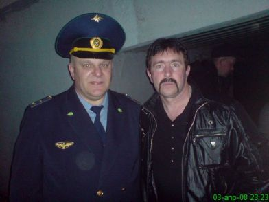 این رئیس قطار با همه بازیگران مشهور روس عکس یادگاری دارد (28)