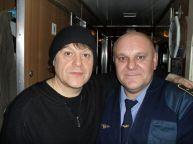 این رئیس قطار با همه بازیگران مشهور روس عکس یادگاری دارد (31)