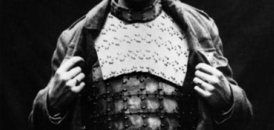 عکس مرد زره پوش در زمان قدیم