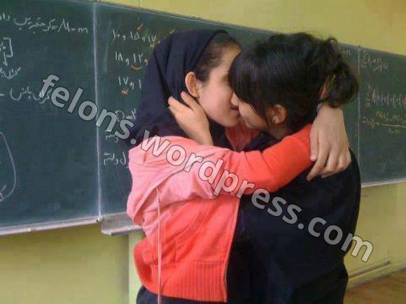 گسترش همجنسگرایی در میان دختران دبیرستانی ایران