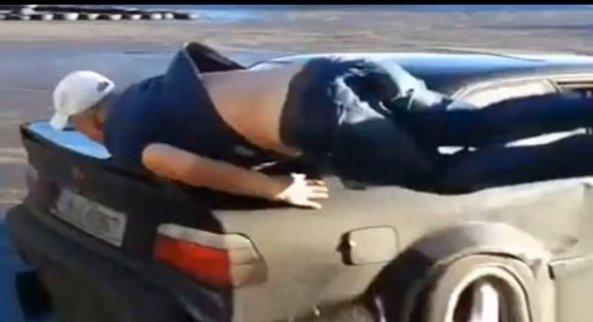 راننده در حال مانور دادن، با دوست خود تصادف کرد