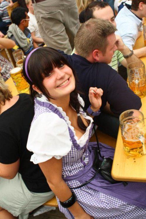 اکتبرفست-جشن-اکتبر-آلمان-felons.wordpress (57)