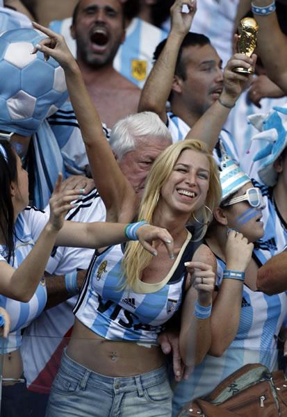 عکس-سکسی-مسابقه-ایران-آرژانتین-felons.wordpress.com-  (23)