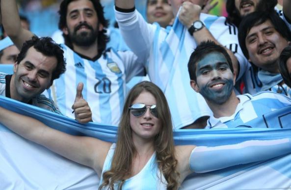 FBL-WC-2014-MATCH27-ARG-IRI-FANS
