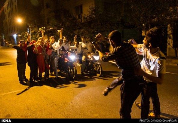 عکسهای-شادی-مردم-بازی-ایران-آرژانتین-felons.wordpress (15)