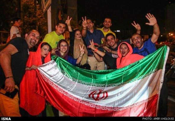 عکسهای-شادی-مردم-بازی-ایران-آرژانتین-felons.wordpress (7)
