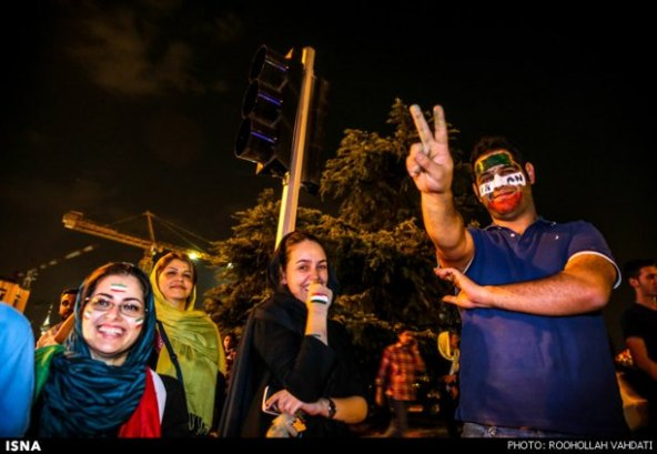عکسهای-شادی-مردم-بازی-ایران-آرژانتین-felons.wordpress (8)