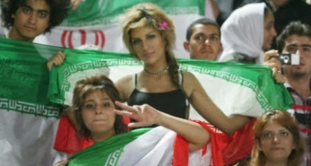 iranians-sexy-fans-in-world-cup-2014 (10)
