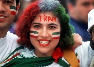 iranians-sexy-fans-in-world-cup-2014 (12)