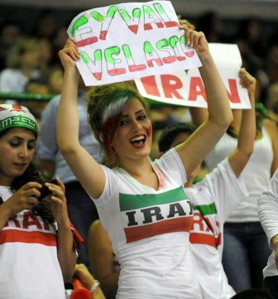 iranians-sexy-fans-in-world-cup-2014 (13)