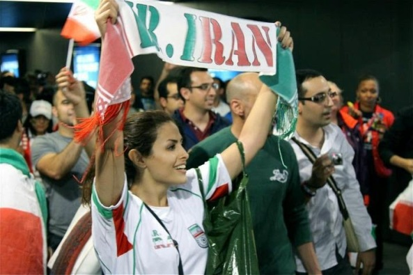 iranians-sexy-fans-in-world-cup-2014 (15)