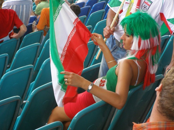 iranians-sexy-fans-in-world-cup-2014 (20)
