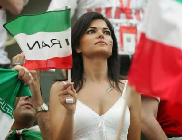 iranians-sexy-fans-in-world-cup-2014 (25)