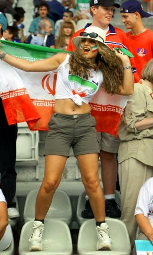 iranians-sexy-fans-in-world-cup-2014 (9)